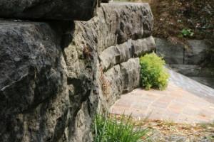 Schweizer Natursteine im Garten- und Strassenbau