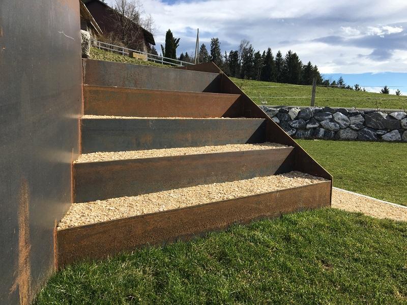 Treppenbau mit Cortenstahl